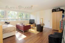 Studio flat in Hornsey Lane, London