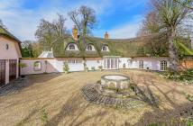 5 bedroom Detached house in London Road, St.Ippolyts...
