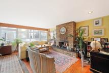 3 bed Flat in Courtnell Street, London...