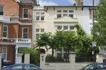 5 bedroom semi detached property in Westbourne Park Road...