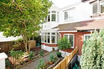 4 bed house in Netheravon Road, W4