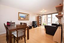 Flat in Holland Gardens, TW8
