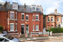2 bed Flat in Silver Crescent, W4