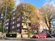 Flat to rent in Eaton Gardens, HOVE...