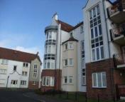 2 bedroom Flat in Harbour Place...