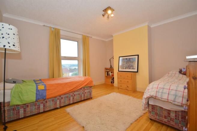 # Bedroom 2 (2).JPG