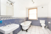 4 bedroom Flat to rent in Barkham Terrace SE1