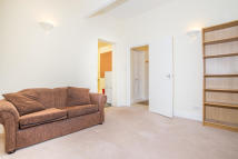 Flat to rent in The Triangle, SE11