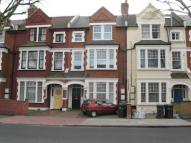 2 bedroom Flat in Cavendish Road...