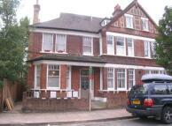 2 bedroom Flat in Cautley Avenue...