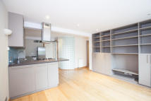 Flat to rent in Webber Street, SE1