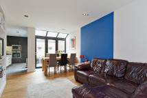 Town House for sale in Lynton Road, SE1