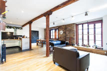 1 bedroom Flat to rent in Tanner Street, SE1