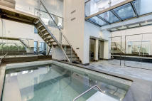 2 bed Maisonette for sale in Bermondsey Street, SE1