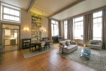 Maisonette for sale in The Paragon...