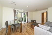 Flat to rent in Globe View, EC4V