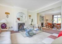 2 bed Flat to rent in Netherton Grove, Chelsea...