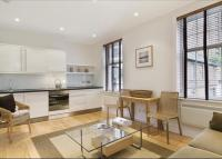 Flat to rent in Munro Terrace, Chelsea...