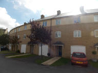 Town House to rent in Grange Park NN4
