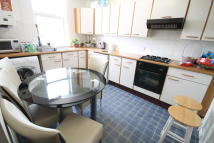 Apartment to rent in Churt Road, Hindhead