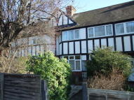 4 bedroom house in Gunnersbury Avenue, Acton
