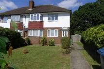 Maisonette to rent in Mountside, Stanmore...