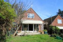2 bedroom Detached house in Woking, Surrey