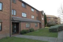 Flat to rent in Goldthorn Court...