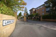 2 bedroom Flat in Larke Rise...