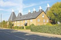 2 bedroom Flat for sale in London Road, Teynham...