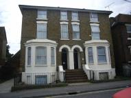 2 bed Flat in Park Road, Sittingbourne...