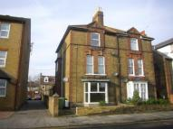 1 bed Flat to rent in Park Road, Sittingbourne...