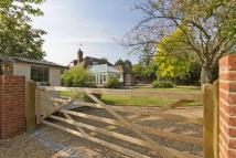 Detached house in Grovehurst Road, Iwade...