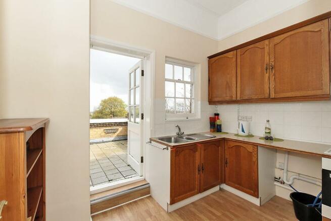 White-Kitchen_1.jpg