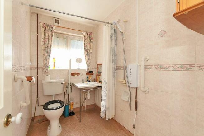Midd-Bath.jpg