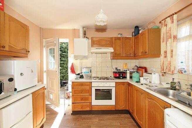 Midd-Kitchen_1.jpg