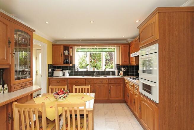 Amb-Kitchen_1.jpg