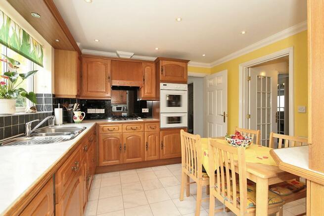 Amb-Kitchen_2.jpg