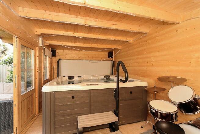 Coo-Cabin.jpg