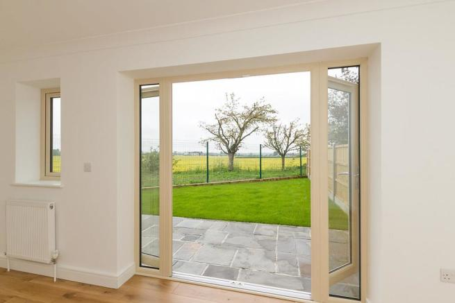 Plot-5-Patio-Doors.j