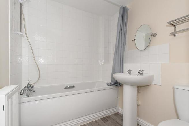 Cro-Bathroom.jpg