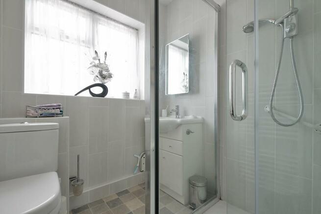 Cheg-Bathroom.jpg