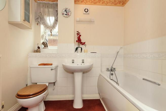 Rec-Bathroom.jpg