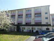 Maisonette to rent in Borehamwood, Herts