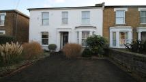 1 bedroom Flat to rent in Cherry Orchard, Staines...