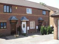 Town House to rent in Smalley Drive, Oakwood...