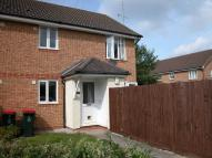 Ground Flat to rent in MAIDENBOWER, Crawley