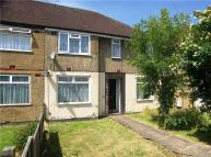 2 bed Maisonette in Pinewood Avenue...