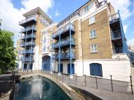 2 bed Flat in Oriana House...