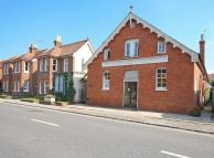 2 bed End of Terrace property in High Street...